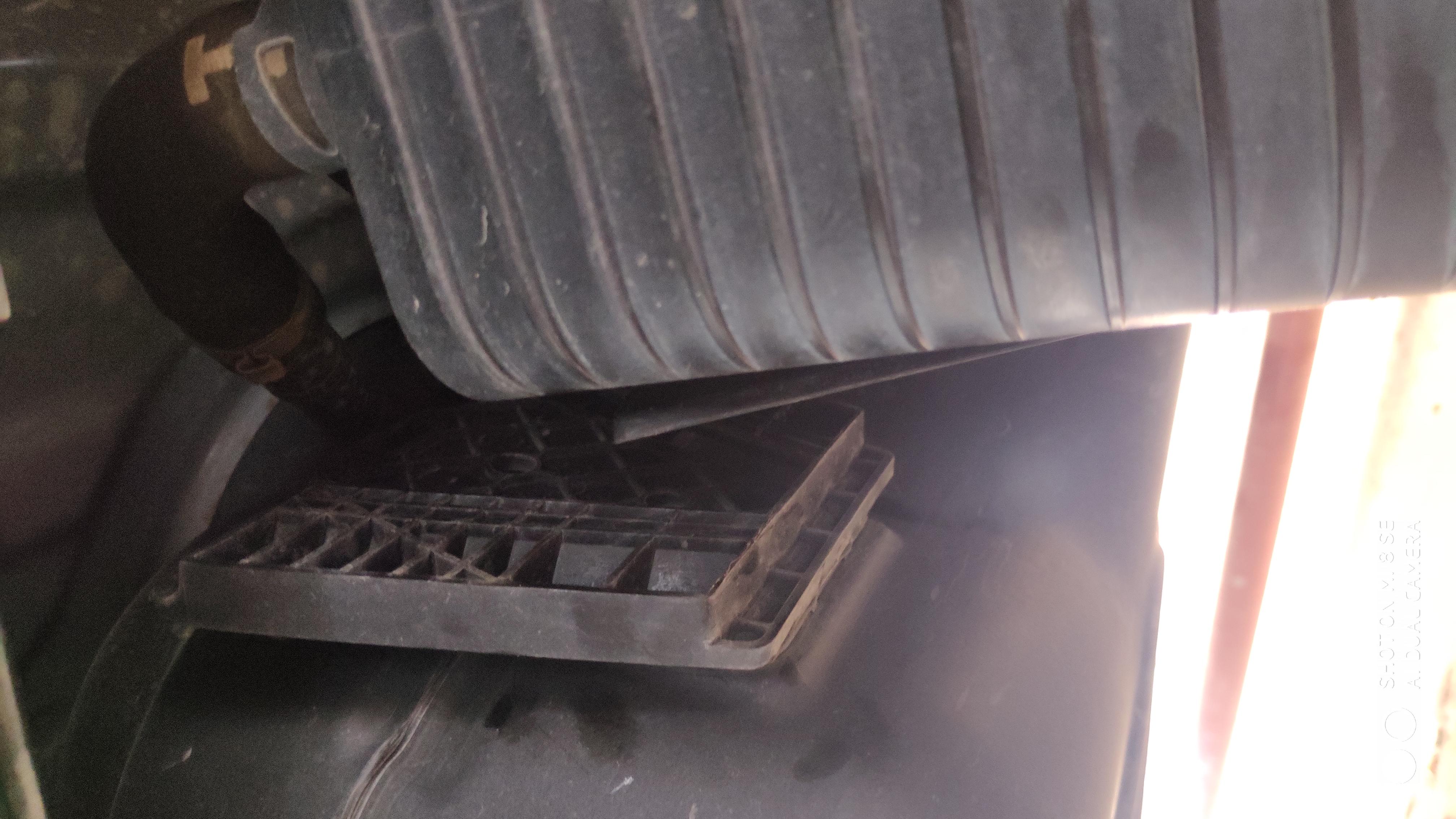 奇瑞-瑞虎8碳罐脱落