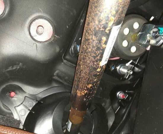 奇瑞-瑞虎7 座椅螺丝生锈异响,中控骨架生锈,方向管柱生锈异响