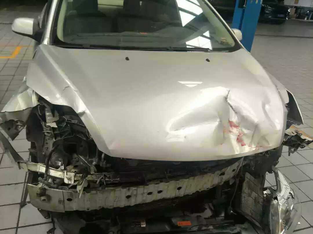 福特-福克斯撞车气囊没打开
