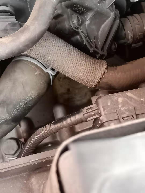 大众-速腾 一汽大众多次维修失误,服务差,发动机渗油