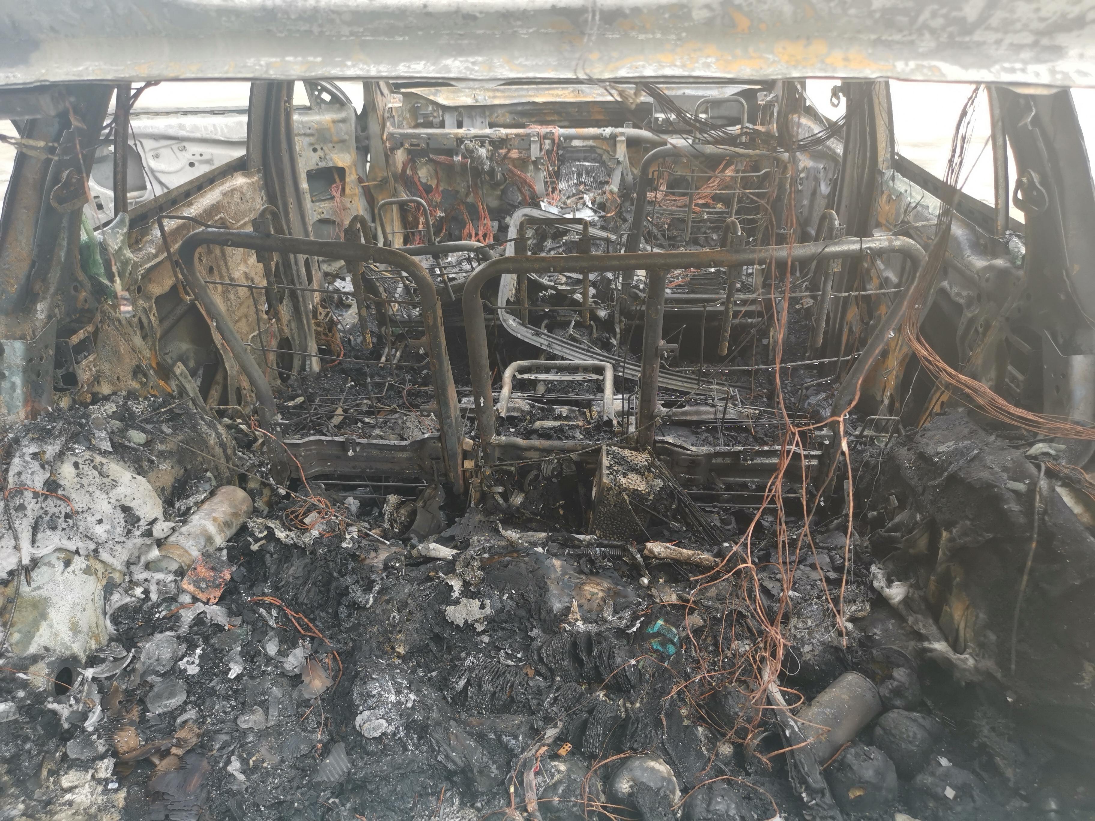 斯巴鲁-傲虎 电动座椅着火自燃