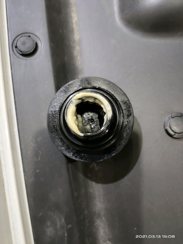 日产-轩逸设计缺陷  导致发动机两次机油增多乳化  无良厂家把老太太逼成什么样了