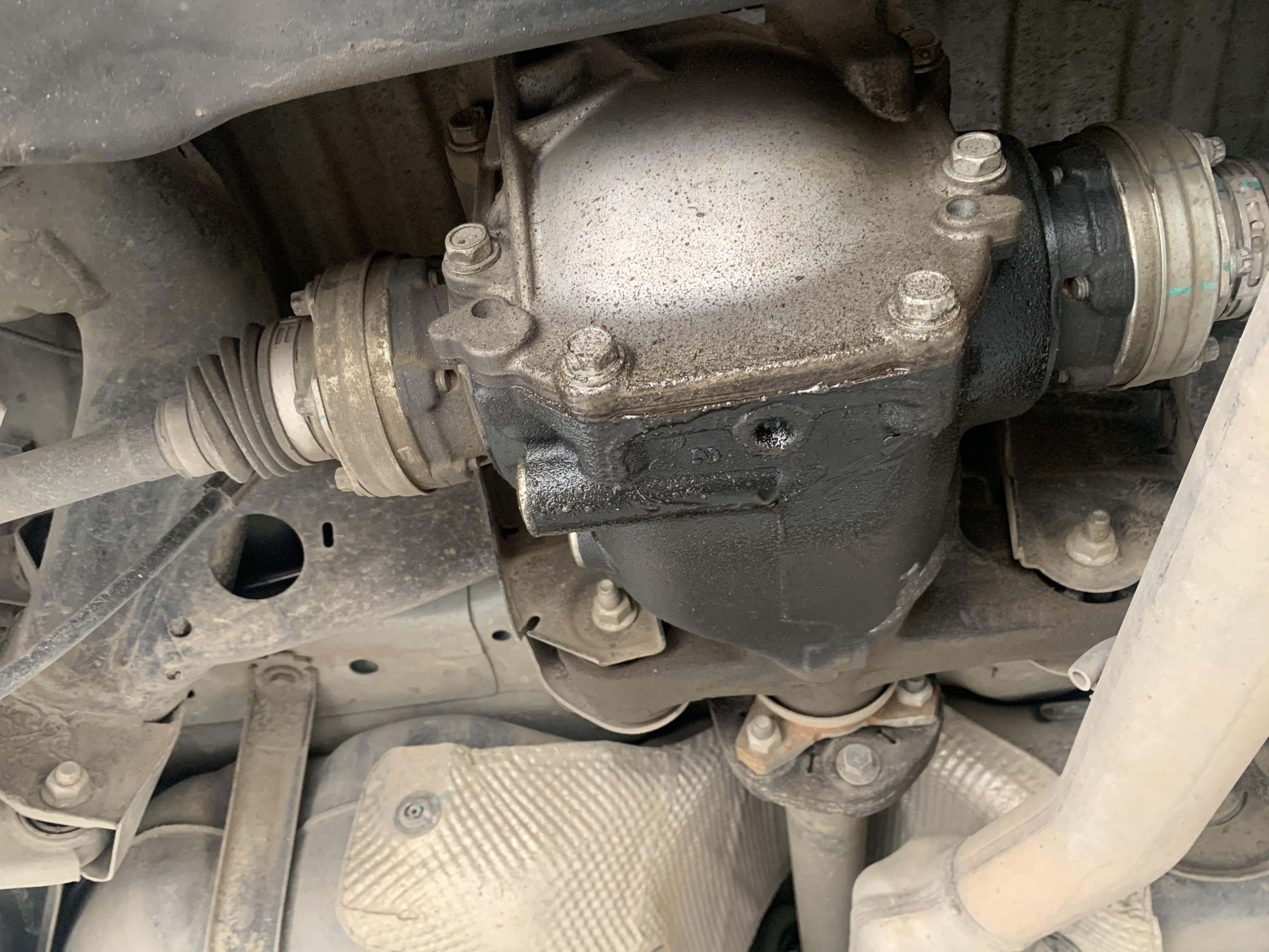 凯迪拉克-ATS-L后桥油封漏油4S店多次维修不好