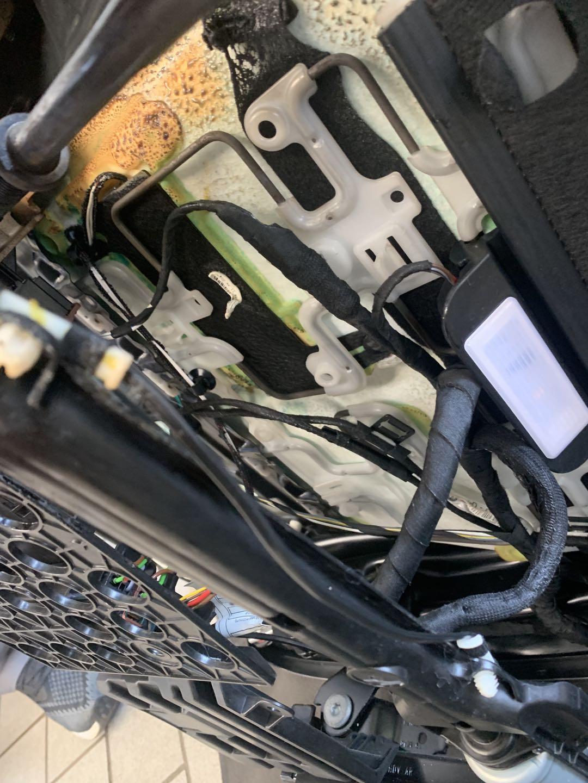 宝马-宝马5系宝马新车未过保,正常行驶发生自燃,将近一个月厂家4S店不予处理