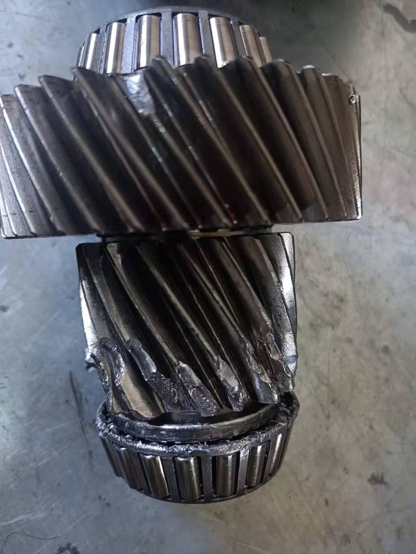 东风风光-580传动钢带碎裂至变速箱报废