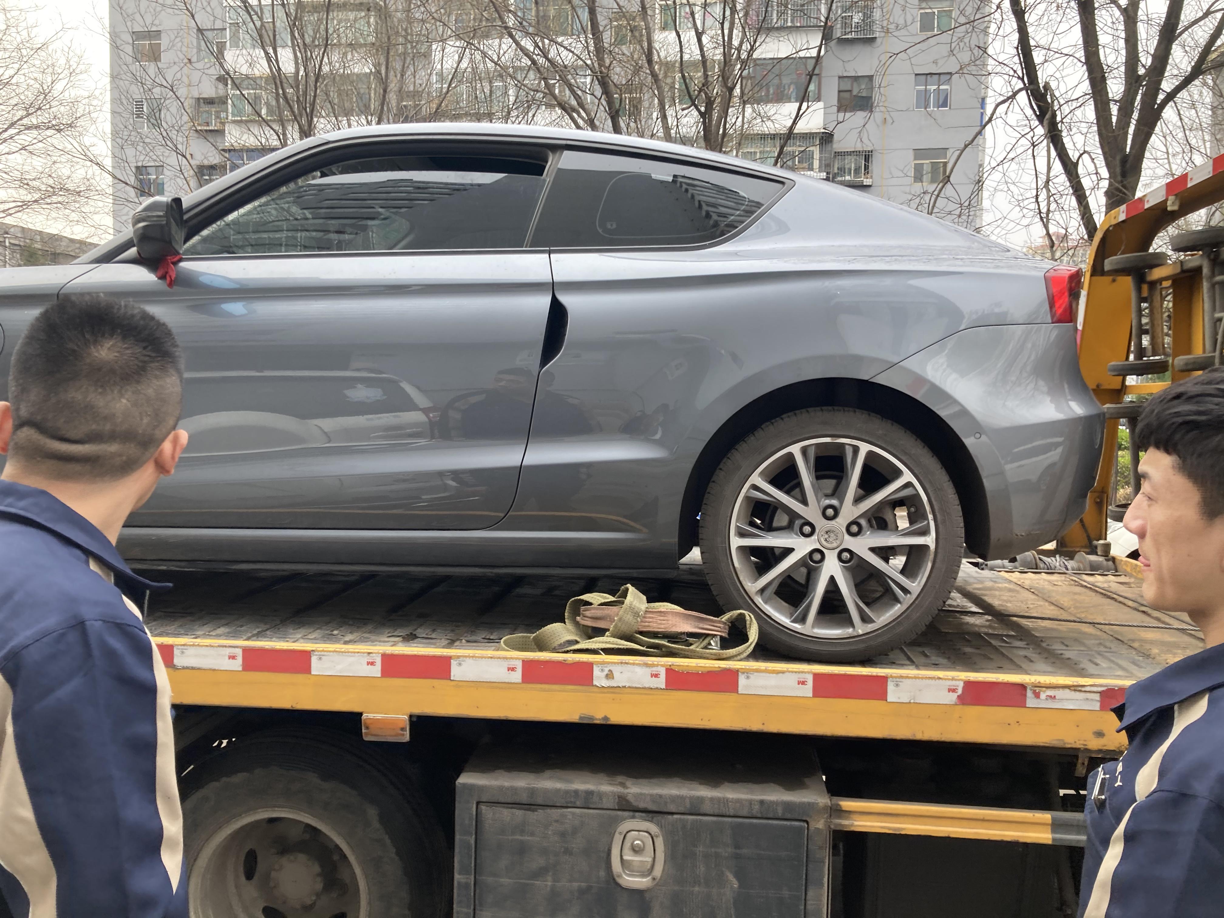零跑汽车S01意外制动且方向盘卡死,导致车辆启动失效