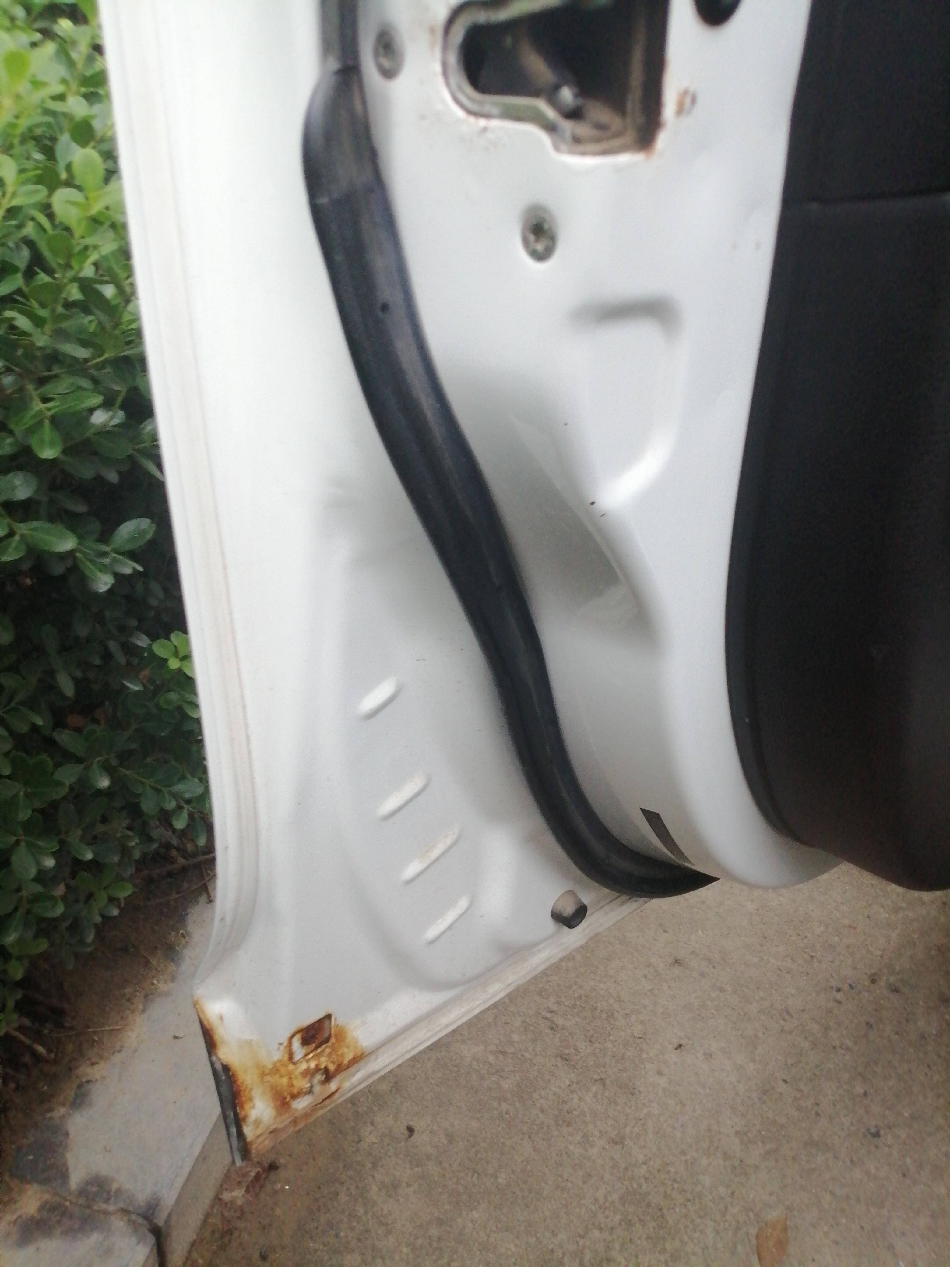 一汽-骏派D60车身掉漆严重