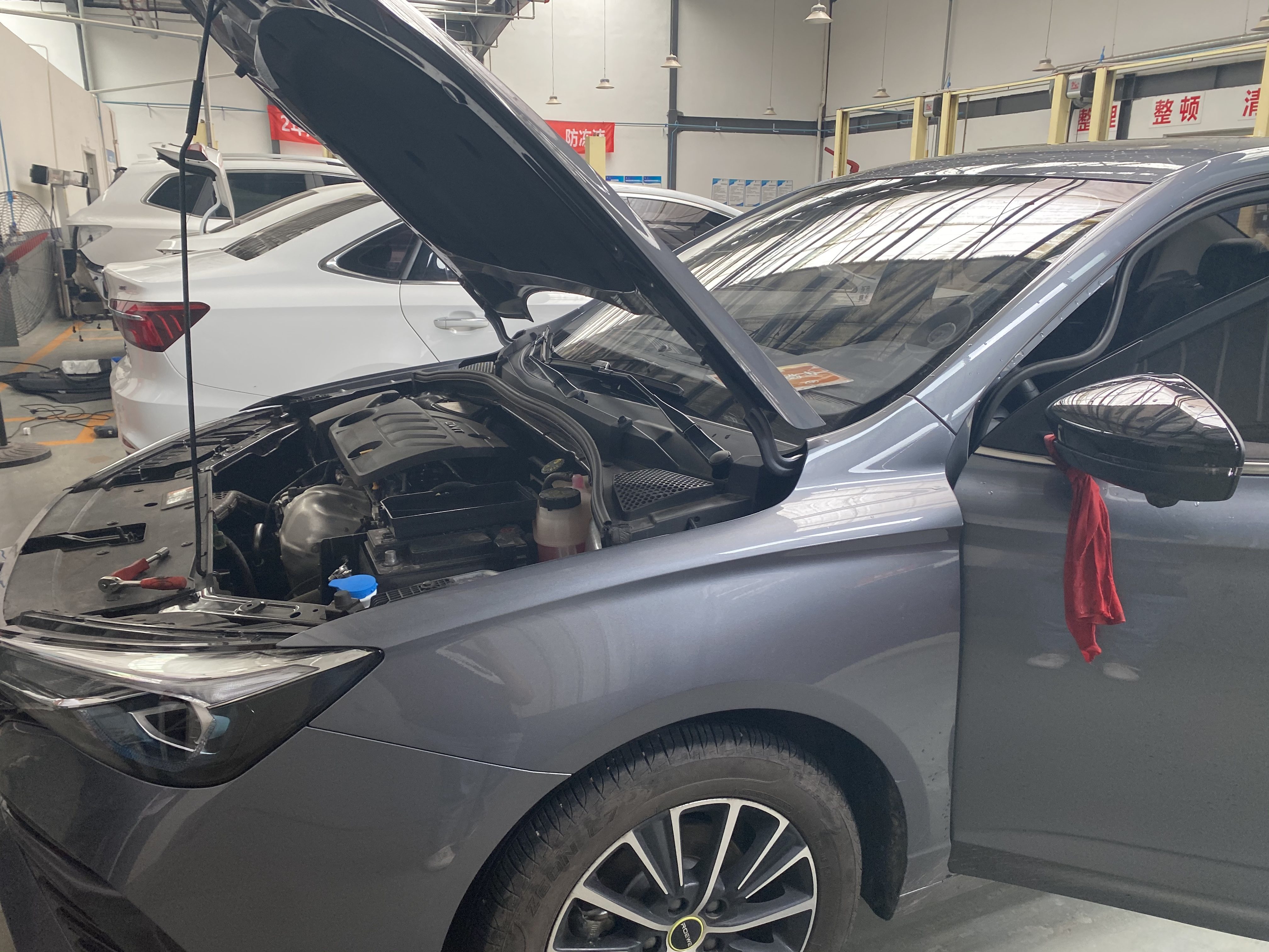 上汽荣威i5新车多次出现自动熄火的故障,4S店售后却不积极给予解决方案