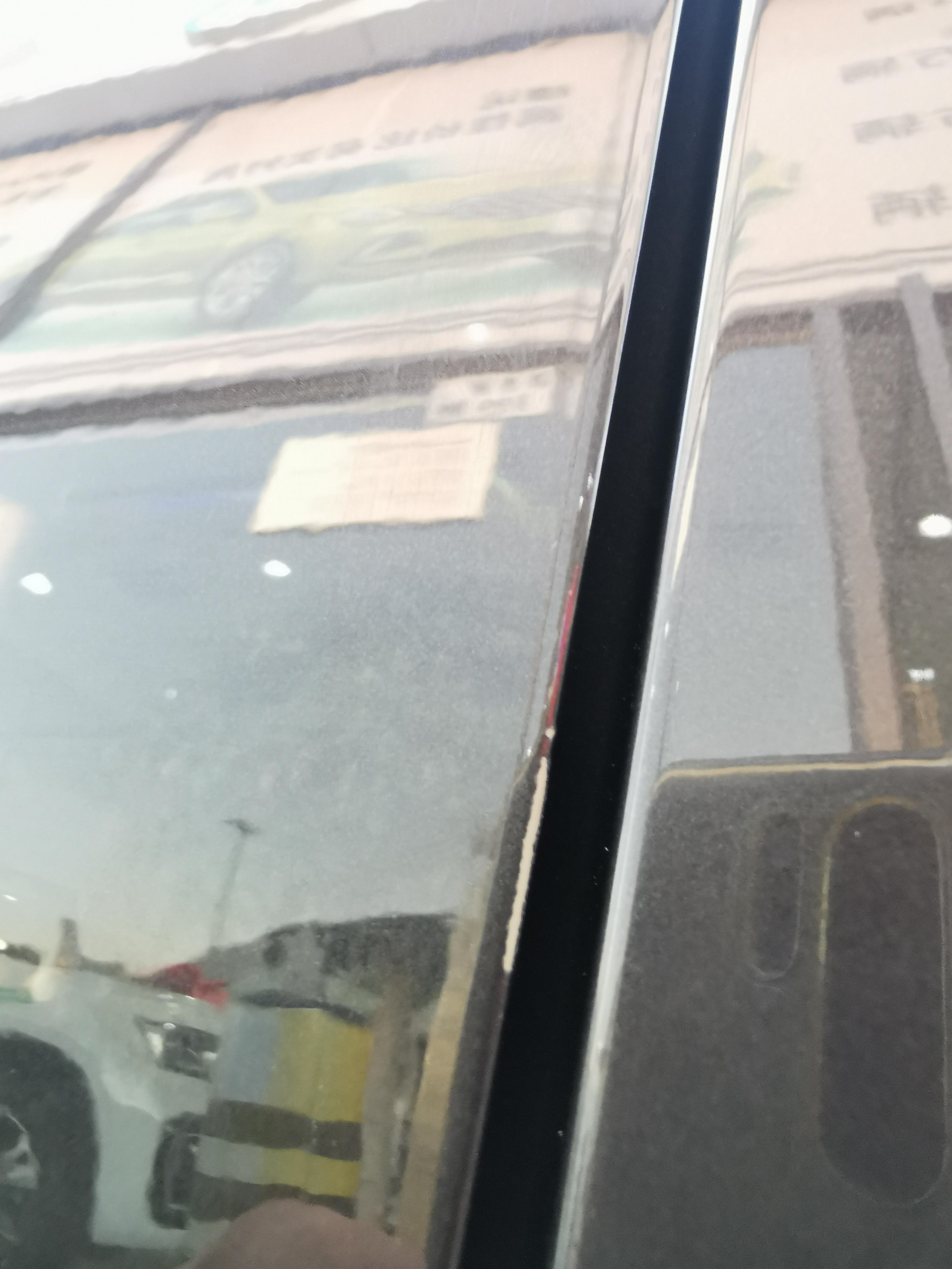一汽大众探岳GTE新车车门存在有严重掉漆和划痕,怀疑是4S店以次充好来强卖掉漆车